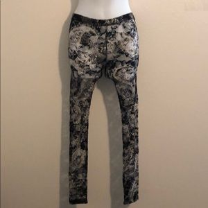 Accessories - NWOT BOGO PRINTED TIGHTS A070